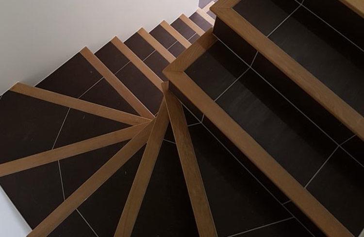 escalier carrele 92